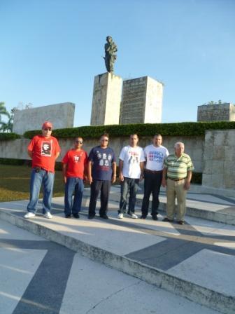 Con mis hermanos Robin, Gerardo, Vladimir, Raúl y Emilio en un lugar sagrado