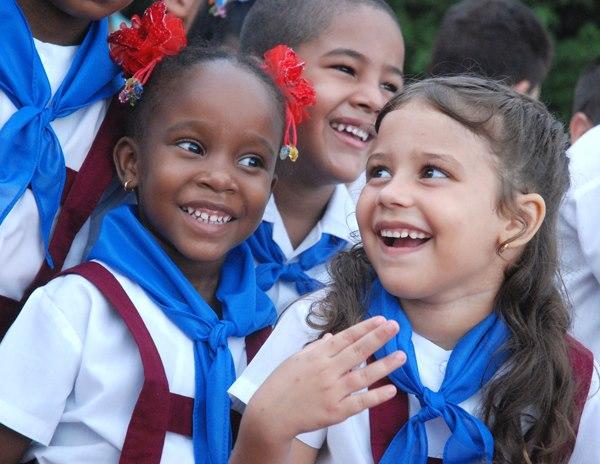 En Cuba se prohíbe a los jóvenes el  uso decomputadoras