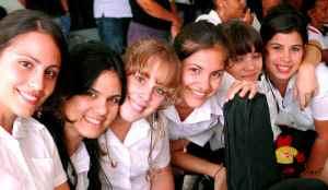 17aem_jovenes_cubanos