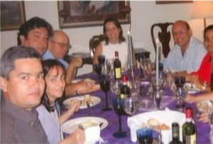 Cena en casa de Kelly Keiderling, mayo del 2005