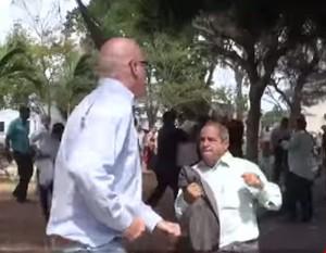Orlando Gutierrez intenta agredir a miembro de la delegación cubana y recibe lo suyo