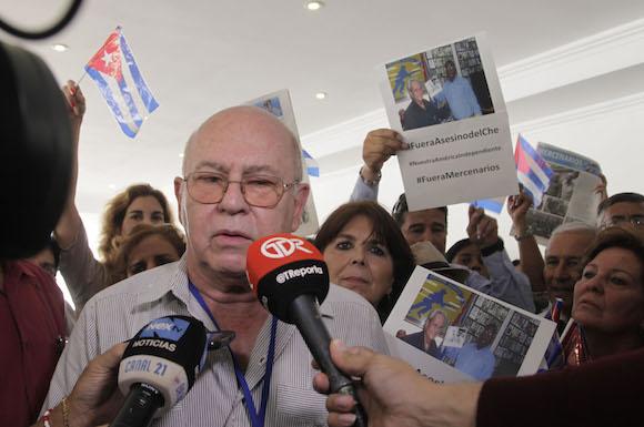 Miguel Barnet Presidente de la UNEAC denuncia presencia de asesino del Che en Panamá