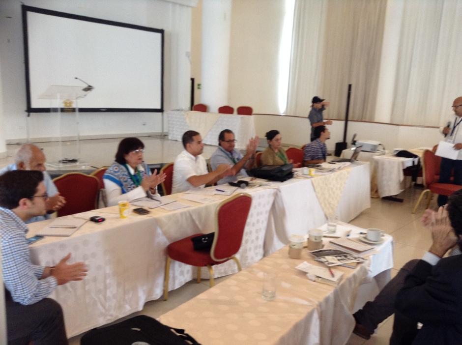 Mesa de Gobernabilidad Democrática en plena sesión de trabajo, VII Cumbre Panamá