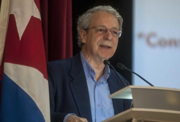 #Cuba: Descuidar la educación ideológica, graveerror