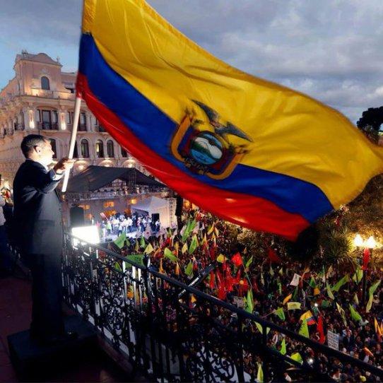 "Ecuador: Revolución Ciudadana asegura que ""los golpistas nopasarán"""